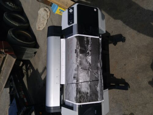 Epson Stylus Pro 7900 Large Format Printer