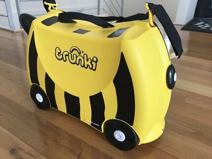 GONE PENDING PICK UP Kids Bumble Bee Trunki - Ride on suitcase