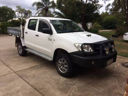 2010 TOYOTA HILUX, 4WD DUAL CAB MANUAL