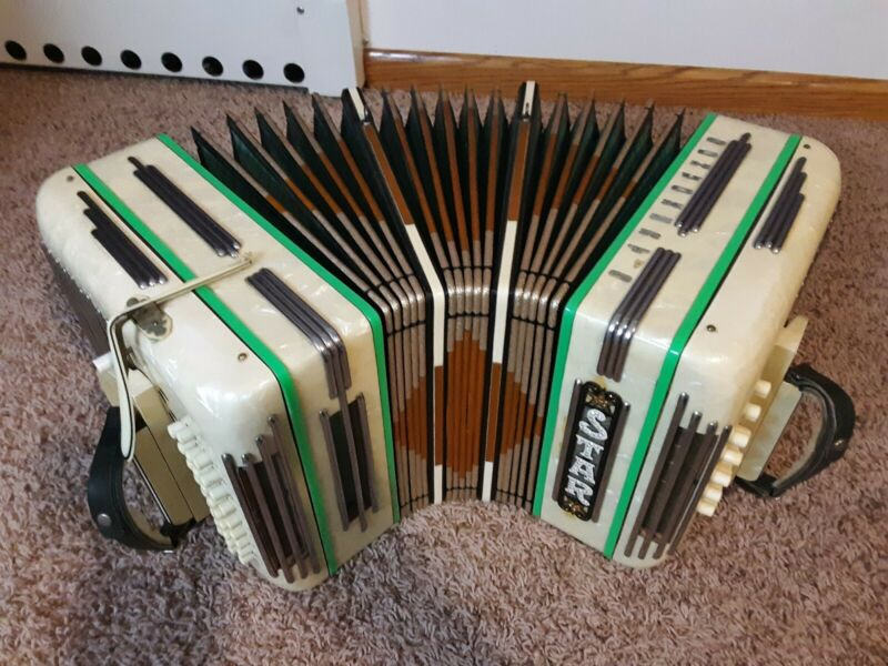 Star Streamline Eb Chemnitzer concertina