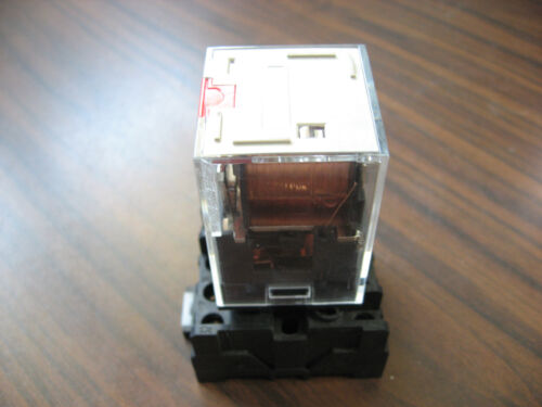 Omron MKS3PI-5 Cube Relay With Base  (11 Pin Round, 24 VDC Coil )