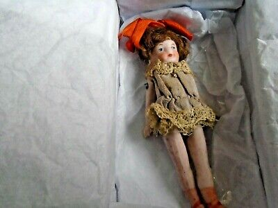 VINTAGE VICTORIAN  BISQUE FULLY JOINTED  DOLLS HOUSE DOLL