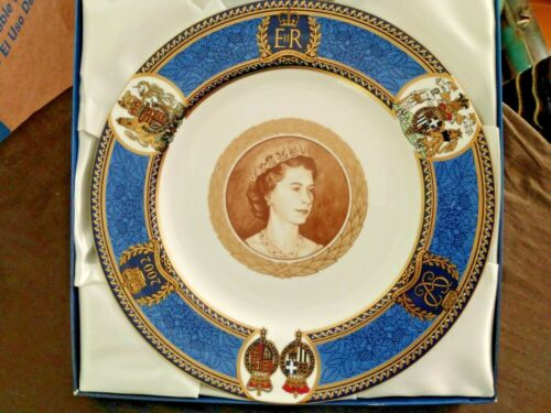 Queen Elizabeth ii Spode limited edition commemorative portrait plate
