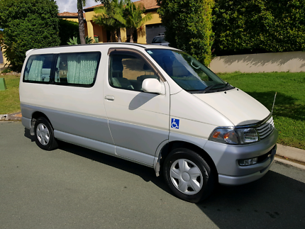 2000 Toyota Regius Wellcab Wheelchair Vehicle