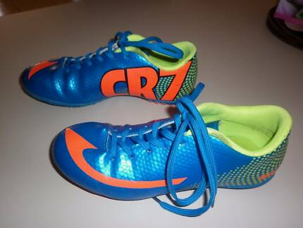 CR 7 Indoor soccer shoes size Eur 35, USA 4.5