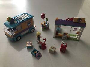 LEGO FRIENDS - La livraison de cadeaux de Heartlake City