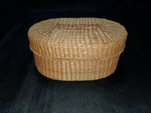 Oval Sweetgrass Basket With Lid