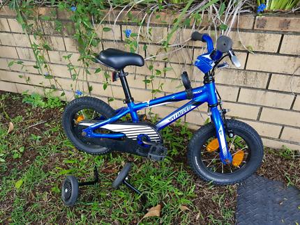 First kids bike - Specialized HotRock 12