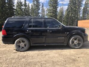 2005 Lincoln Navigator *REDUCED*