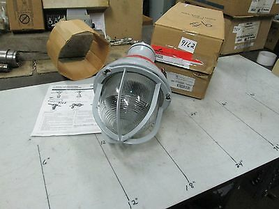 Coopercrouse-hinds Explosion Proof Light Fixture Cat Eva220 300w 120v Nib