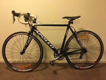 Road Bike Apollo Giro excellent condition