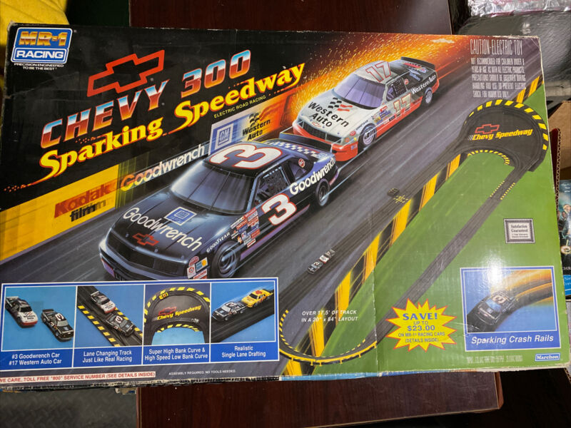 MR-1 Racing Chevy 300 Sparking Speedway Electric Road Racing Slot Car Set 1992