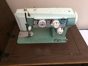 Viking 808 Sewing Machine With Lint Cleaner