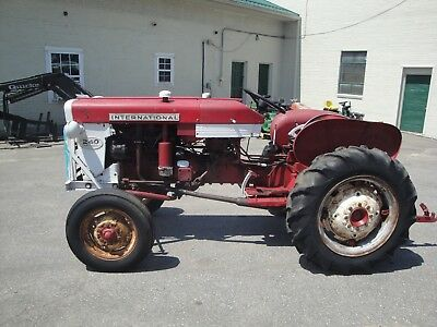 International 240 Utility Tractor Barn Find
