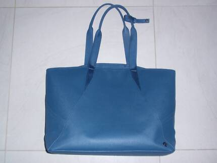 Lululemon All day tote - NEW!