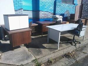 FREE OFFICE FURNITURE*DESKS*CHAIRS*STORAGE CABINETS*STUDY*STUDENT Cartwright Liverpool Area Preview