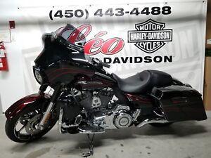 2011 Harley-Davidson FLHXSE CVO Street Glide