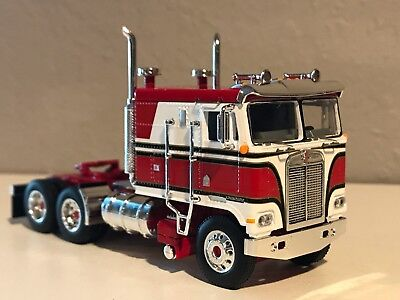 RED & WHITE DCP 1/64 KENWORTH K100