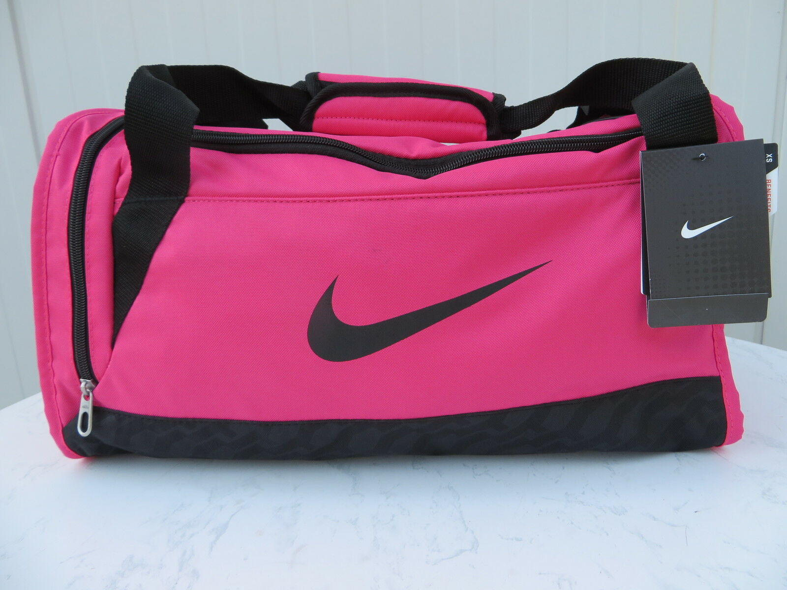 nike sporttasche pink brasilia fitness damen tasche bag. Black Bedroom Furniture Sets. Home Design Ideas