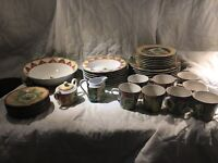 222 Fifth Dish Set
