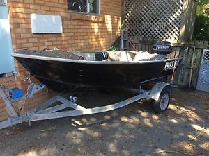 12ft tiny with 20hp motor Eagleby Logan Area Preview