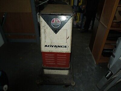 Advance 20 Inch Automatic Floor Scrubber Electric