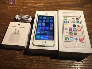 Apple iPhone 5s Bell Great Shape 16 gb