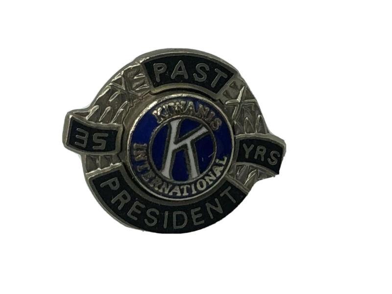 Rare Kiwanis International Past President 35 Years Service Member Lapel Pin  K5