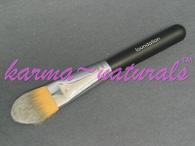 Taklon Concealer Pinsel (BRUSH Mineral Makeup TAKLON - FOUNDATION & CONCEALER)