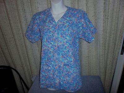Print V-neck Scrub Tunic (Landau 8232 Snap Front V-Neck Tunic Scrub Top Pastel Moondust Print XS -M)