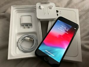 Apple iPhone 8 - 64GB - Space Grey, Excellent Condition, Accessories
