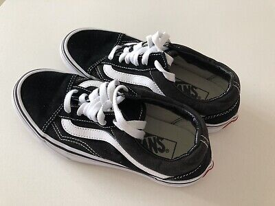 Old Skool Vans Size 3 (EU 35) Black