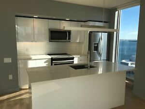 2 bed/2 bath Downtown Penthouse with Spectacular Harbour views!