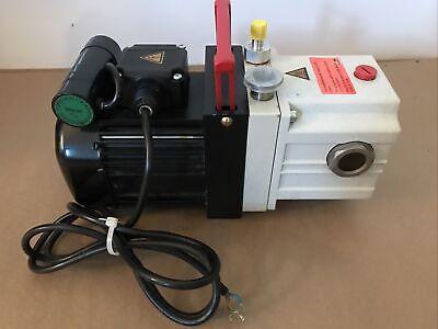 Pfeiffer Duo 2.5 Vacuum Pump Pk D41 055 C 220v