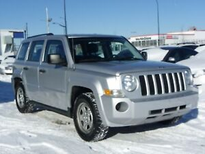 2010 Jeep Patriot FRONT-WHEEL-DRIVE|LEATHER|5.SPEED-MANUAL