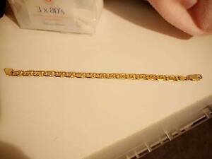 18ct solid gold bracelet Craigieburn Hume Area Preview