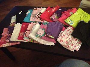 Lot de vêtements pour filles (18-24 mois)