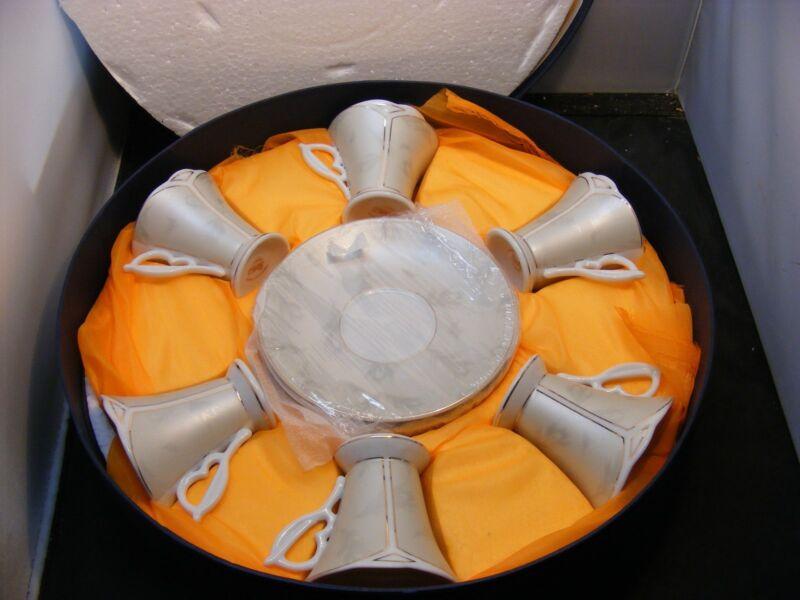 vintage cup saucers set fabrik