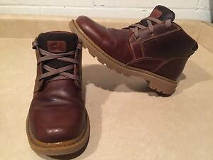 Women's CATerpillar Leather Boots Size 7.5 Wide