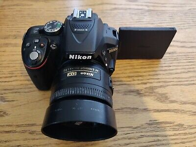 Nikon D5300 camera with nikon DX 35mm prime lense f/1.8