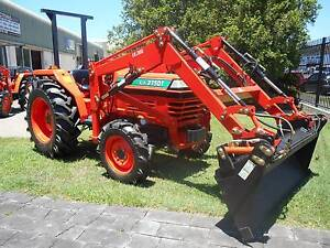 35 Hp Kubota with 4 in 1 loader and SLASHER HURRY!!!!! Currumbin Waters Gold Coast South Preview