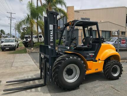 TOTAL 35 4x4 ALL TERRAIN FORKLIFT