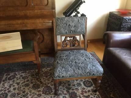 Antique Victorian Decorative Ladies Chair