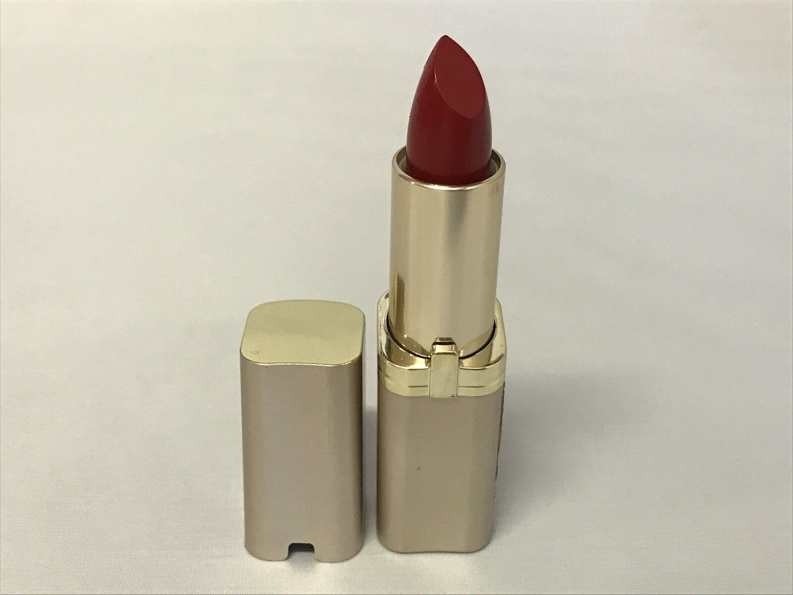 Loreal Colour Riche Lipstick ~ Red Rhapsody # 339 ~ New !!