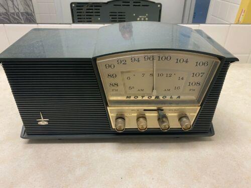 Vintage Motorola B3E Desktop Radio