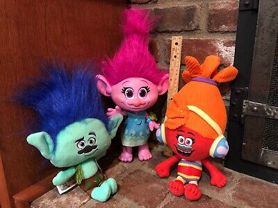 DreamWorks Trolls Talking Light-Up Princess Poppy W/ DJ Suki And Branch