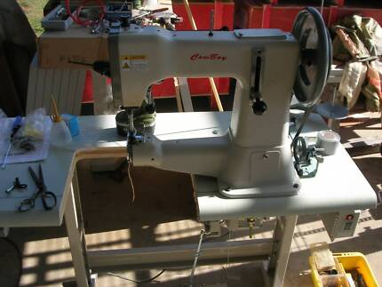 Cowboy CB3200 heavy leather and canvas industrial sewing machine