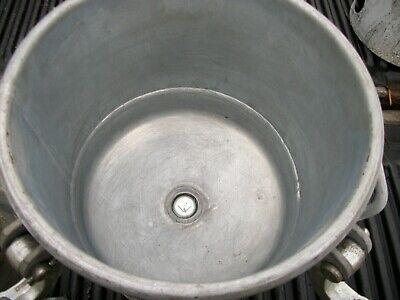 Binks 2 Gallon Pressure Pot With Agitator