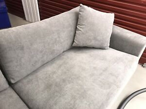 Wanted: 3.2 meter long 4 seater couch
