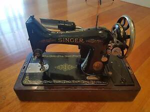 Antique/Vintage Singer Electric Sewing Machine Y-series 1927 Narre Warren North Casey Area Preview